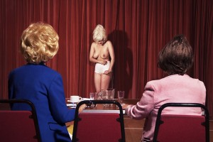 Nadia Lee Cohen fotografia controvertida 11