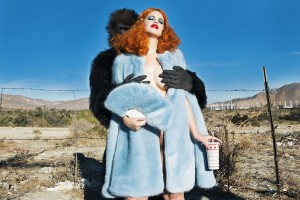 Nadia Lee Cohen fotografia controvertida 8